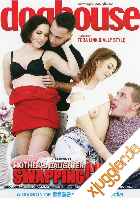 Mother And Daughter Swapping Cock DVD Bild